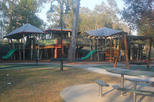 Kalinga Park moreover Woodcroft  munity League besides Beach Parade Reserve In Sandy Point besides ToyTrain together with The Ten Best Outdoor Gyms In Sydney. on park playground equipment