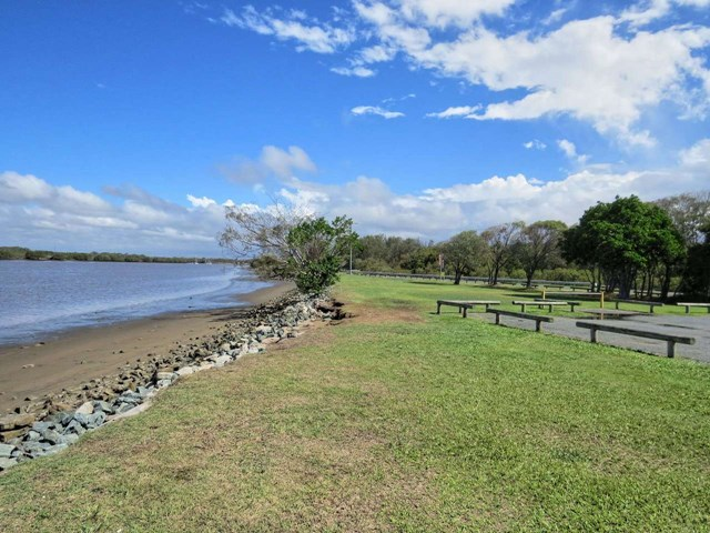 Nudgee Beach Dog Park